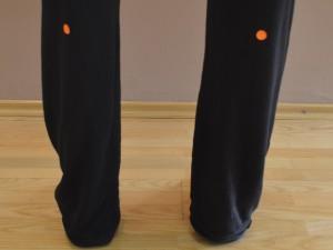 Podpirajoča Gora (B 57 – Mehur) Za krče v mečih stimulirajte to točko. Lokacija: V centru mečne mišice, na sredini med zadnjo stranjo kolena in peto. Na spodnji strani izbokline meč.