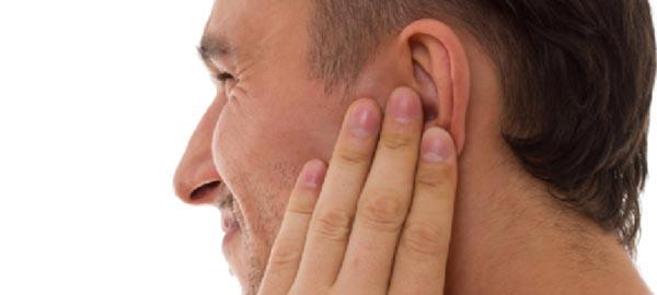 vnetje ušesa - bolečine v ušesu