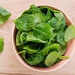 Izmed vrst zelene listnate zelenjave pripomore k normalni prebavi posebej špinača.