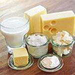 Mlečni izdelki, kot so sir, jogurt, smetana, sladoled, skuta, so skupaj z mlekom kot takšnim, pogost povzročitelj alergičnih reakcij.