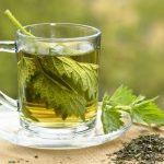 čaj koprive proti senenemu nahodu