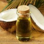 Kaprilna kislina je nasičena maščobna kislina, ki jo najdemo v kokosovem olju in olju palmovih jedrc.
