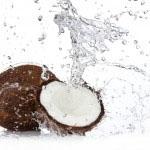 kokosovova voda pripomore k ohranjanju ravnovesja ključnih mineralov v telesu.