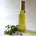 Olje origana deluje antibakterijsko, protivirusno, protiglivično in antiseptično.