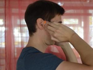 Ušesna vrata (TW 21 – Trojni grelec) Mesto poslušanja (SI 19 – Tanko črevo) Ponovno srečanje sluha (GB 2 – Žolčnik) Pozitivni učinki: Lajša bolečine v ušesu, težave s sluhom, pritisk v ušesu, čeljustne težave, zobobol in glavobol.