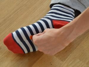 Brbotajoči vrelec (K 1 – Ledvice) Pozitivni učinki: Akupresurna točka za prvo pomoč, ki odpravlja omedlevico, šok in nekontrolirane krče.